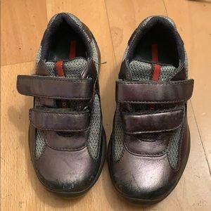 Prada kids sneakers sz 25